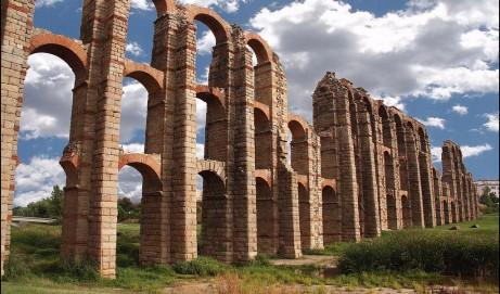 Importante sentencia judicial: el griego se ofrecerá obligatoriamente en todos los institutos de Extremadura