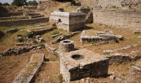 Viaje a los escenarios de batallas históricas y míticas de la Grecia antigua